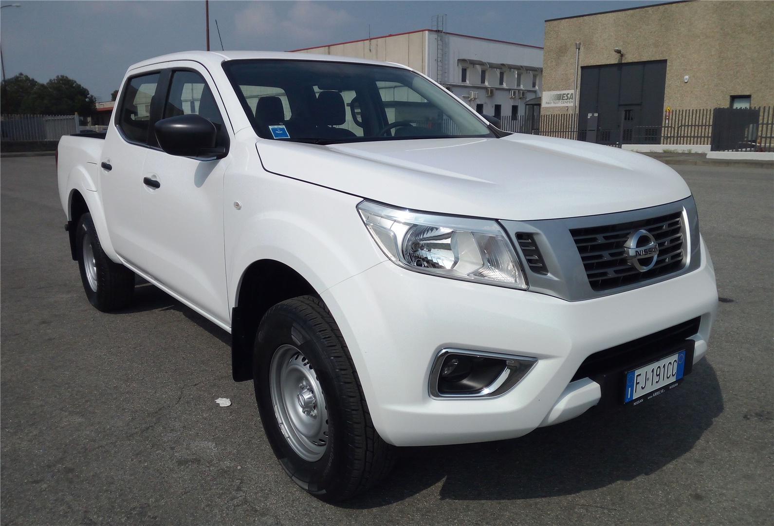 pick up nissan navara doppia cabina
