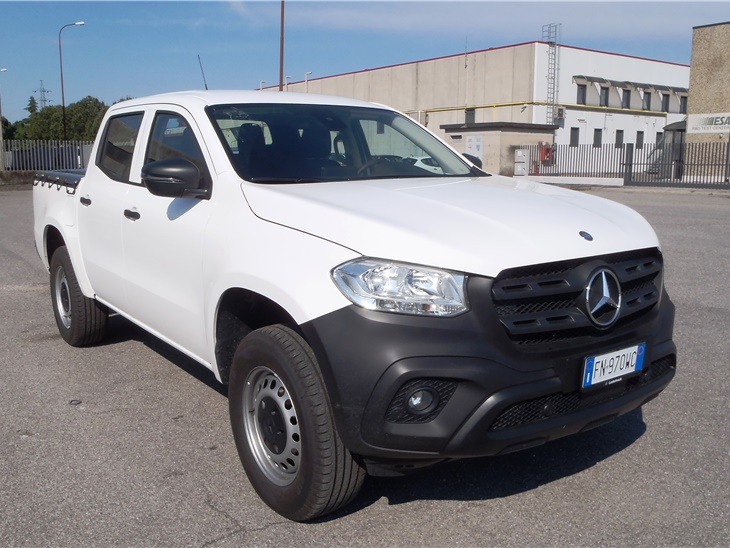 Pick-Up Mercedes Classe X Doppia Cabina 4x4
